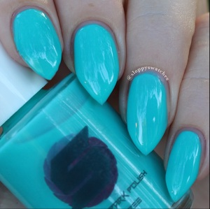 Totally Teal in natural lighting