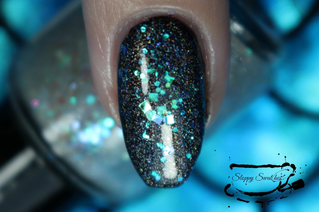 Mermaid Tears at 1 coat over Zoya Willa macro